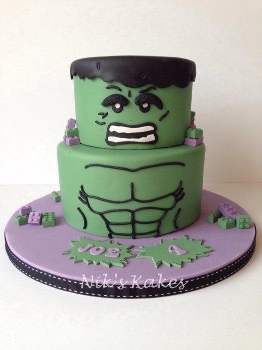 Lego Hulk - Cake by Nikskakes