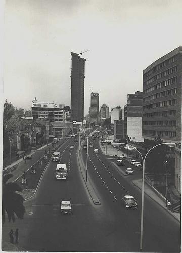 Recordando una #Bogota #clasica cra 7 al fondo hotel hilton