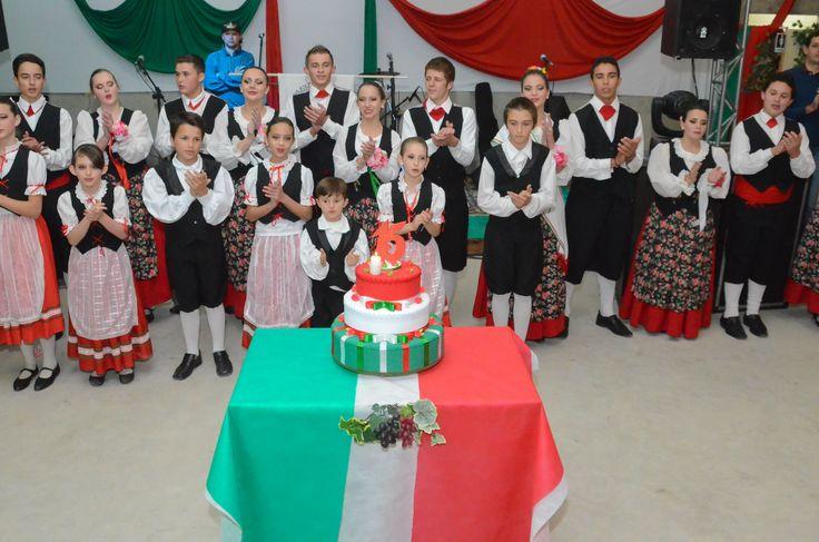 Grupo Folclórico Italiano Cuore D'Itália comemora 15 anos