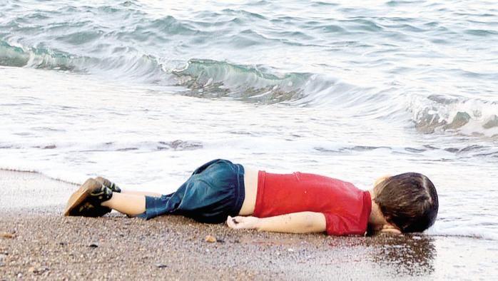 La spiaggia su cui muore l'Europa - La Stampa