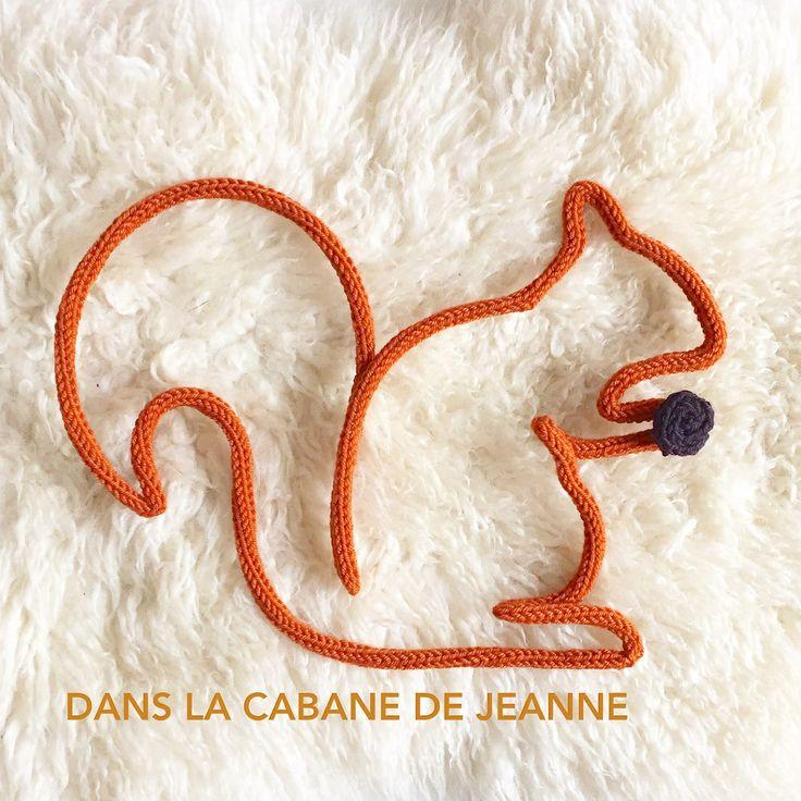 Ecureuil en laine réalisé au tricotin