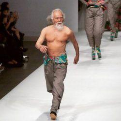 Wang Deshun le papy sexy, un grand-père mannequin à 81 ans