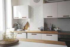 Cuisine blanche & bois IKEA  Chez Marinette @c_estmarinette Inspiration déco  lespetitespoules.com ©Caroline Feraud