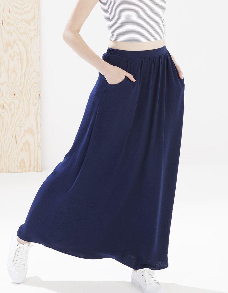 Μακριά ριχτή φούστα με τσέπες