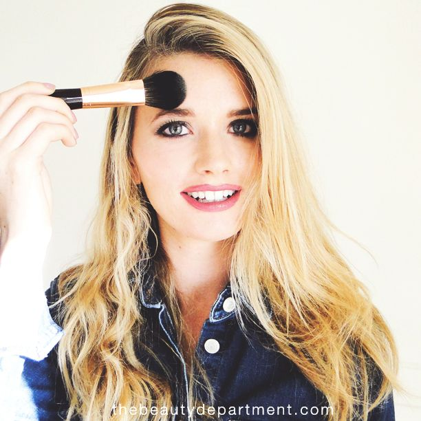 Happy Monday! Learning this MAKEUP DON'T will save you! Click through to check out the tutorial!