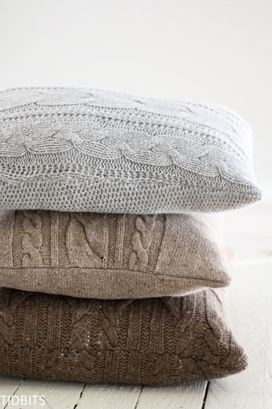 Re-Purposed Sweater Pillows - Tutorial including how to avoid stretched out/wonky seams!
