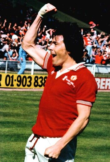Stuart Pearson celebrating his goal.