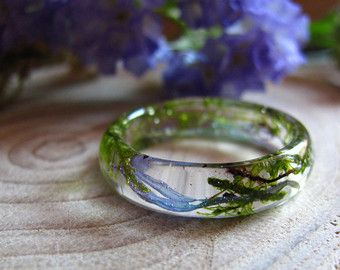 Anello di resina muschio vero gioielli di terrario di AlpacaBlue