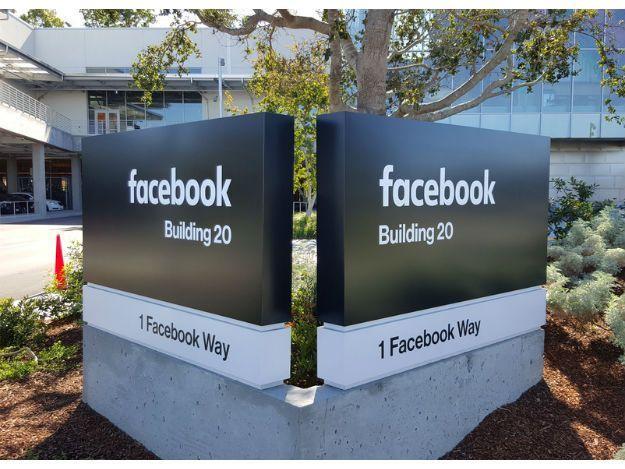 Maior rede social do mundo registrou lucro de US$2,37 bilhões no terceiro trimestre. Empresa já tem quase 2 bilhões de usuários por mês.