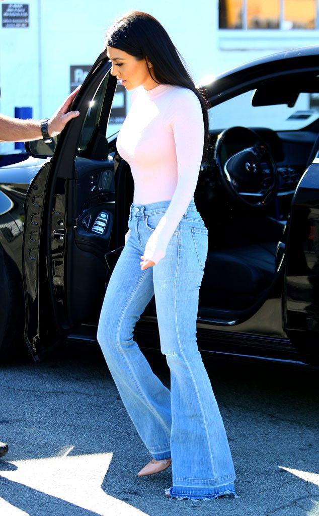 Kourtney Kardashian Flaunts Super-Skinny Waist and Hot Body Following Scott Disick Split (Best Breakover Ever?!) on   E! Online Mobile