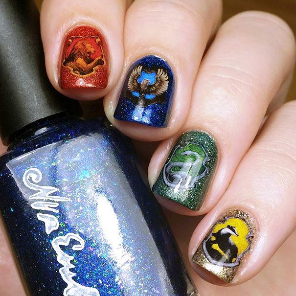 Ces ongles à l'effigie de Harry Potter sont de la pure magie                                                                                                                                                                                 Plus
