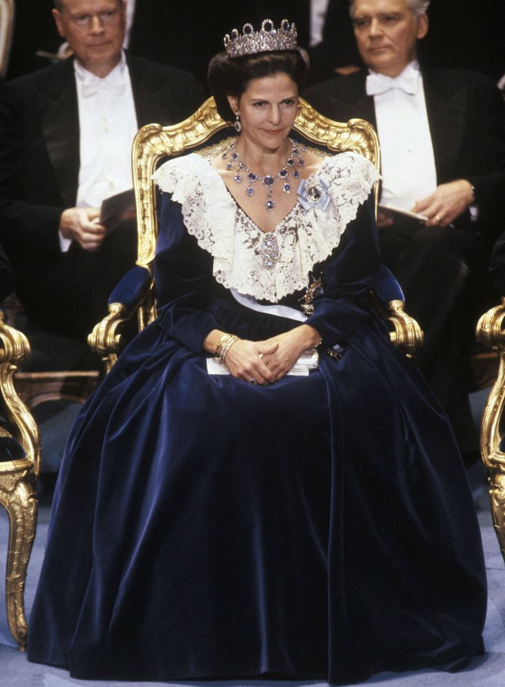 Queen Silvia at the Nobel prize ceremony in 1990 Dress made by Ateljé Felicitas