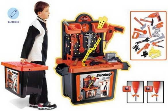 Trusa unelte Bricolaj, Alexis    Trusa contine toate uneltele de care ai nevoie pentru a te distra construind sau reparand  - Jocul cu unelte imbunatateste abilitatea de gandire logica a copilului, precum si abilitatile de cordonare, flexibilitatea  - Toate piesele si uneltele sunt confectionate din plastic, astfel ca nu exista niciun pericol de accidentare