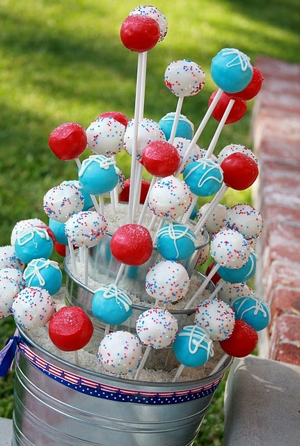 Cake Pops 4th of July: Birthday Parties, Fourth Of July, Cakes Pop Stands, Cakes Pop Display, Red White Blue, Blue Cakes, 4Th Of July, Parties Ideas, Display Ideas