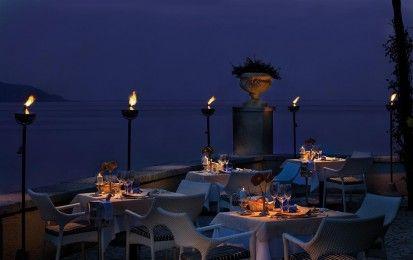 I migliori ristoranti con terrazza sul lago di Garda per cene indimenticabili [FOTO] - Per un soggiorno sul Lago di Garda esclusivo, o semplicemente per godere di una cena romantica, ecco una selezione dei migliori ristoranti con terrazza panoramica al lago di Garda.