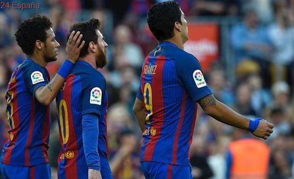 Bas Dost no aguanta el ritmo de Messi y le pone la Bota de Oro en bandeja