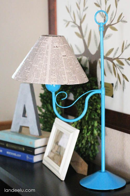 DIY Newspaper Lampshade Makeover - landeelu.com
