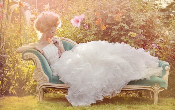 SweetChai Lounges, Wedding Dressses, Fashion, Chaise Lounges, Mary Antoinette, The Dresses, Teacups Pigs, Brides Magazines, Fairies Tales
