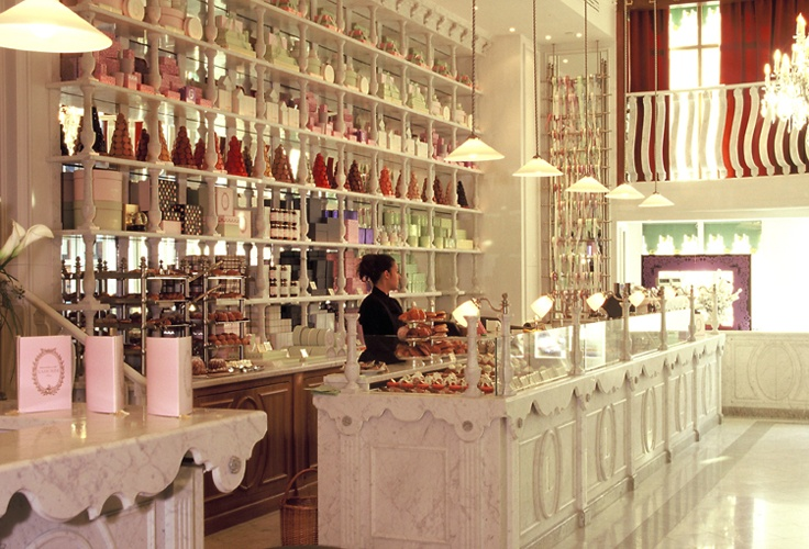 afternoon tea @ Ladurée is always a good idea #laduree #macarons #paris #afternoon_tea