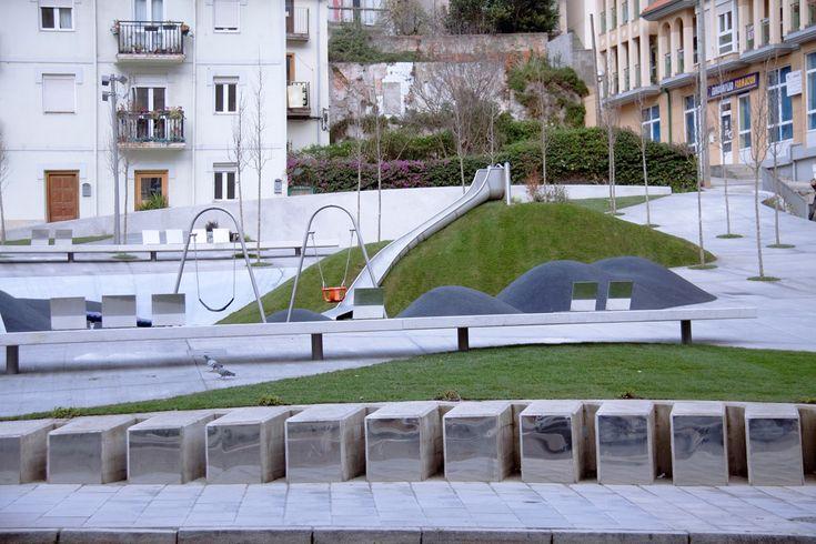 Plaza Tetuán-Amaliach / / Héctor Navarro + ARKHITEKTON