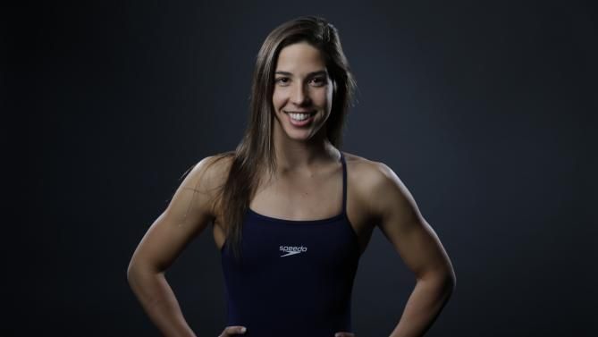maya dirado | Swimmer Maya DiRado poses for photos at the 2016 Team USA Media Summit ...