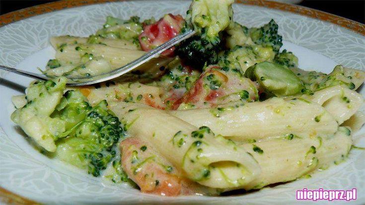 3 sery z brokułami... czyli makaron z sosem serowym i brokułem. Dania z makaronem, dania z brokułami