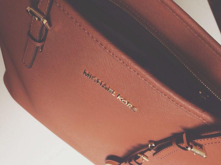 #MK #MichaelKors #bag #fashion #jetset