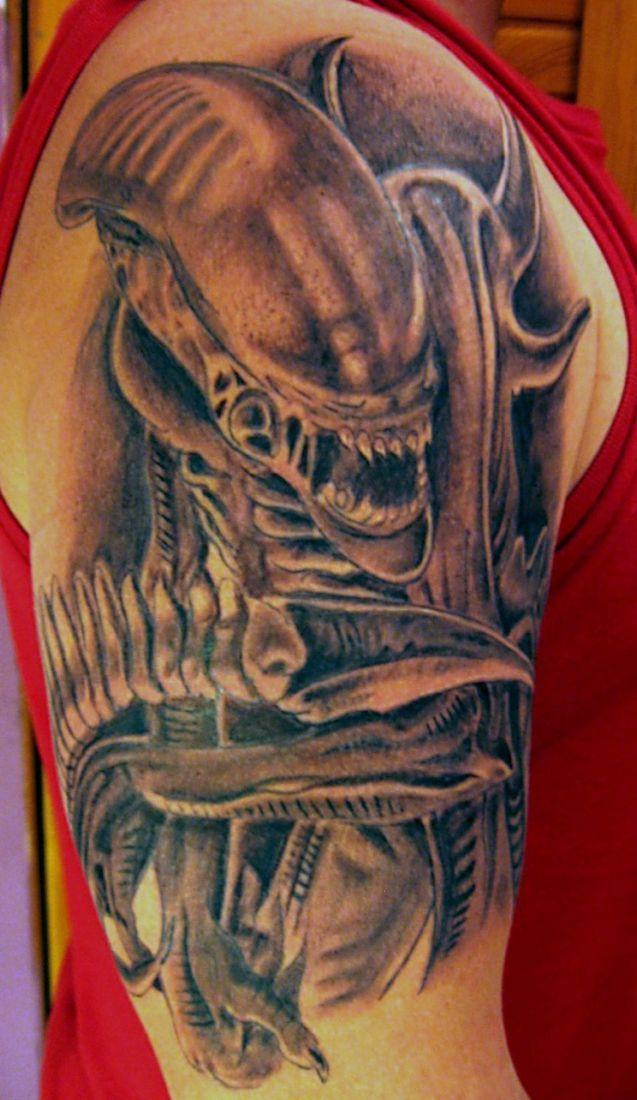 29 best alien vs predator tattoos images on pinterest alien vs predator alien tattoo and. Black Bedroom Furniture Sets. Home Design Ideas