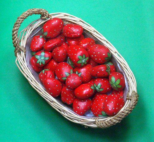Come dipingere i sassi: le fragole