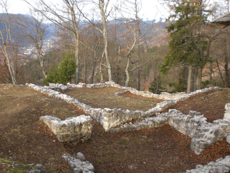 Remains of the settlement on Ajdna