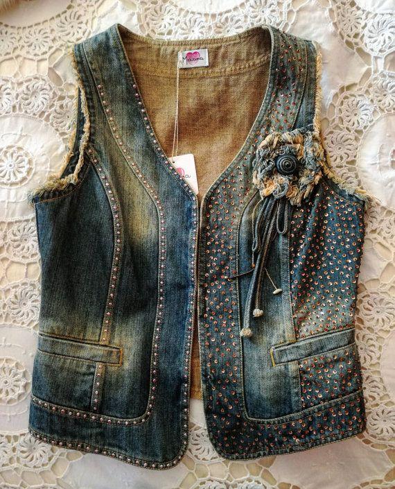 Chaleco de jeans bordado por MissMarinaEva en Etsy