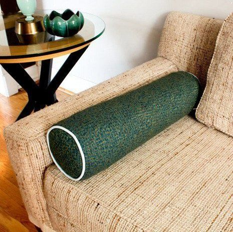 Подушка-валик из старого полотенца (Diy)