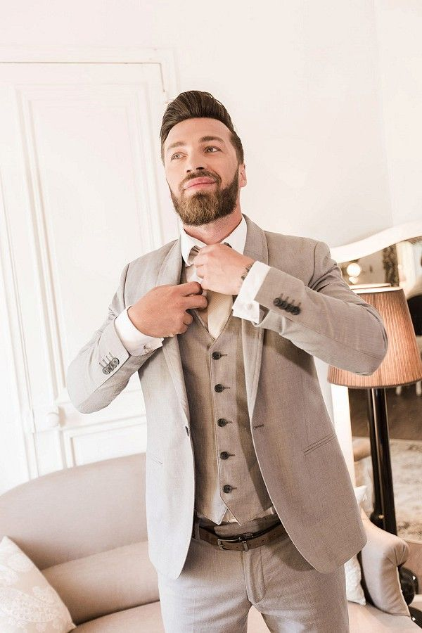 beige wedding suit | Image by Lawrence Banahan photographe