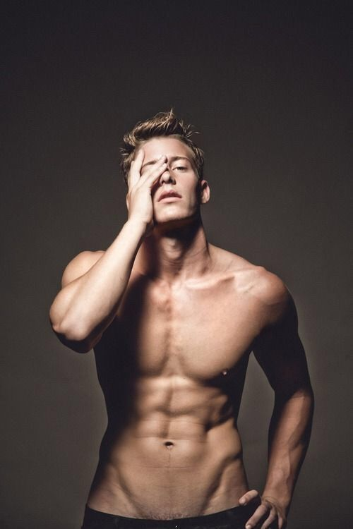 Image via We Heart It #abs #beautiful #boys #guys #handsome #Hot #hunk #men #models #muscles #perfectbody #perfection #sexy #sixpack #vline