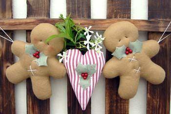 Enfeite de Porta - GingerBreads com Coração Decorado