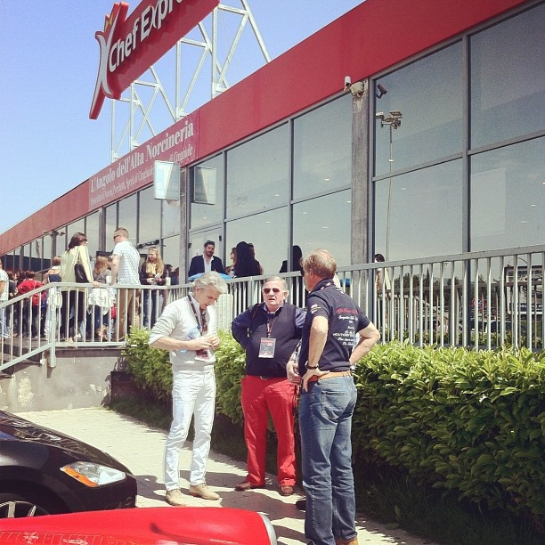 Pit stop at Autogrill to discover that Dutch team loves #redpants #millemiglia #alfaromeo - @moscerina- #webstagram
