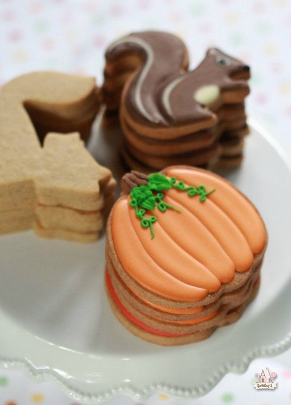 Pumpkin spice Cut-Out Cookies _ Sweetopia