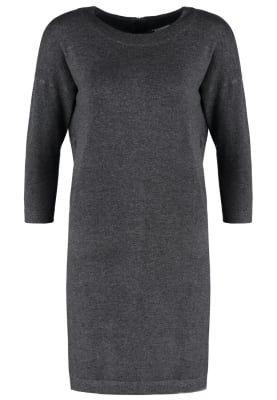 https://www.zalando.pl/vero-moda-vmglory-sukienka-dzianinowa-dark-grey-melange-ve121c0pr-c11.html