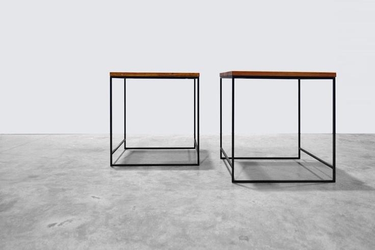 Strak en minimalistisch, tikje japans, vooral met massief bamboe werkblad. Salontafel Meta, uitgevoerd met houten werkblad en rank stalen frame