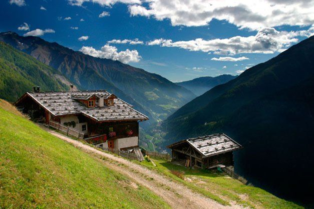 """Roter Hahn"" Farm Stay in South Tyrol (Italian Alps): Gfallhof in Schnals/Val Senales"