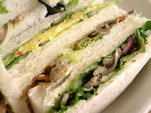 キンピラの和風サンドイッチの画像
