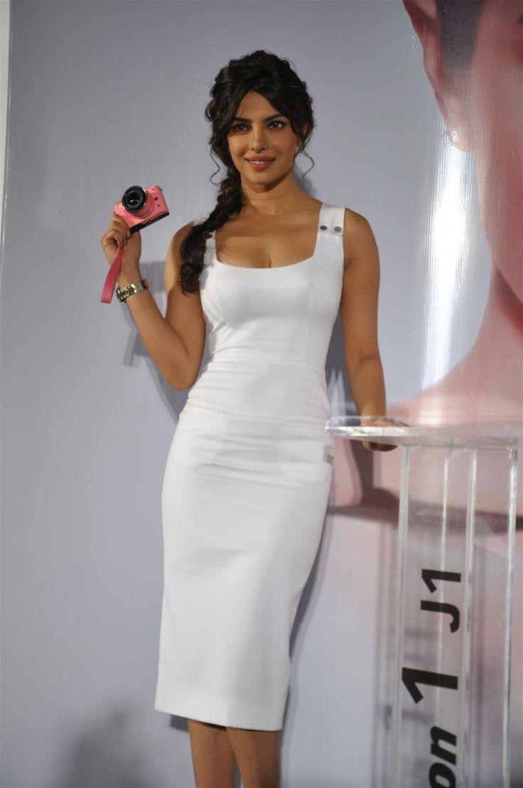 Priyanka Chopra Hot New 6  Priyanka Chopra Hot -1754