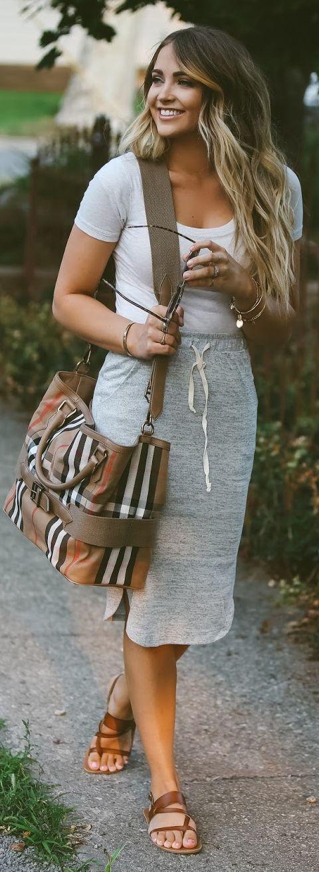 Best 25  High waisted skirt ideas on Pinterest | Full skirts, Full ...