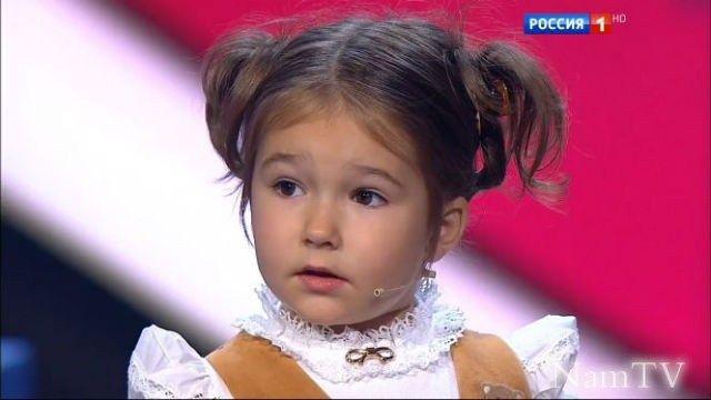 Белла Девяткина: необыкновенный ребенок говорит на 7 языках!
