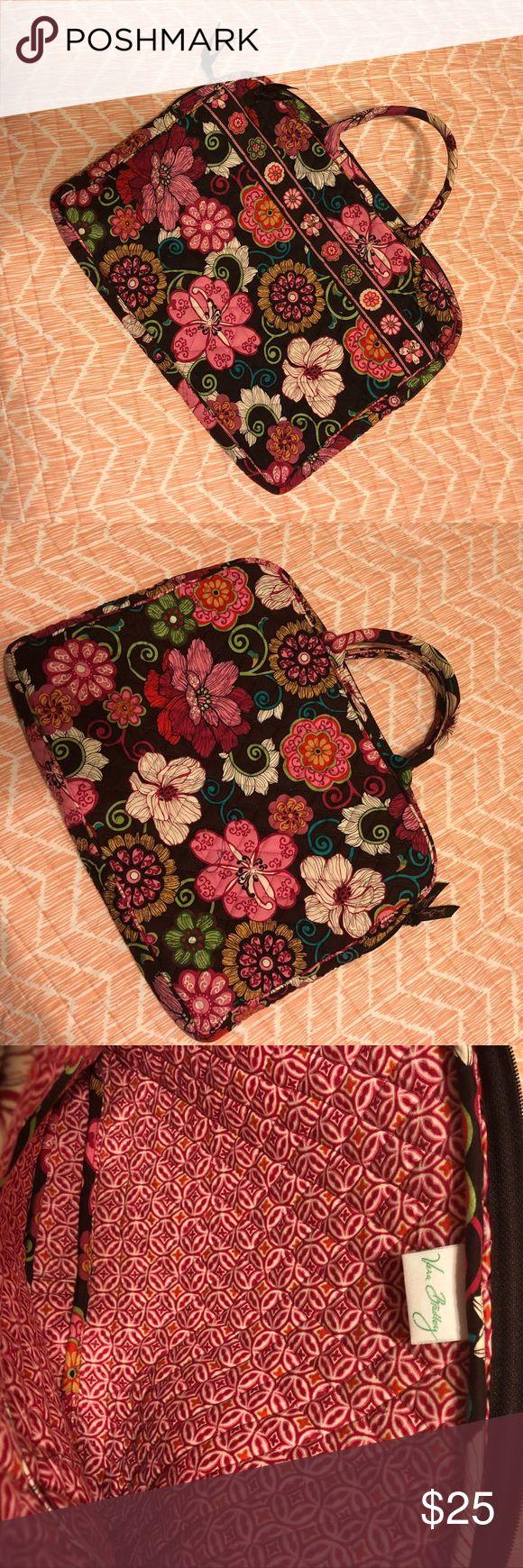 Vera Bradley laptop case Like new condition. Vera Bradley Bags Laptop Bags
