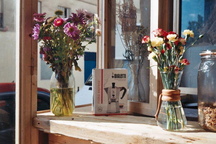 Smena - delaphotographiepostsovietique: Café fleurs