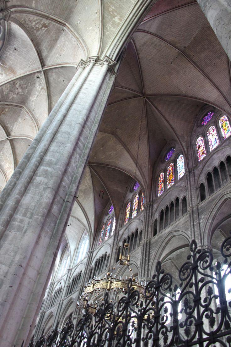 Intérieur de la athédrale St Etienne à Bourges, classée par l'UNNESCO. Sabine_Corsin