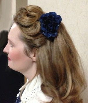 1940s hairstyle for thick long hair