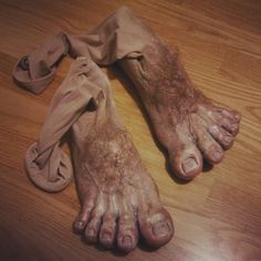 Hobbit feet! by ihni