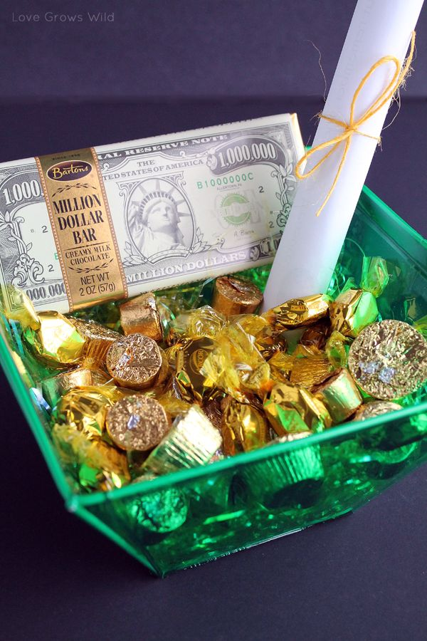 """St. Patrick's Day Scavenger Hunt-  We're going to try this this year.  I am sure my kids will be thrilled find their treasures of """"gold""""!"""